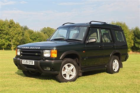 yellow land rover discovery image gallery land rover disco 2