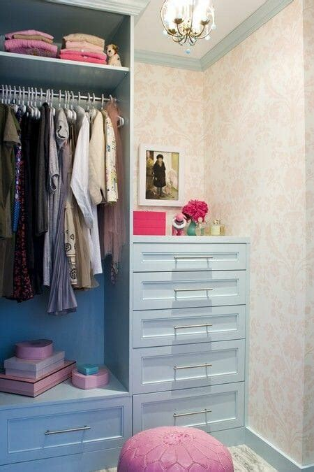Wallpaper Closet | give your bedroom closet a chic boutique vibe modernize