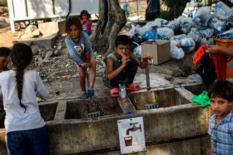 greece  move  refugees  mainland  increasing
