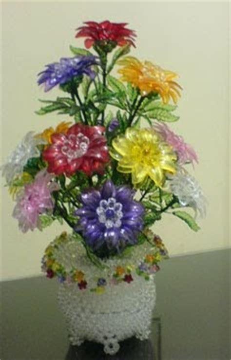 Mawar Mini By Manik Carolineshop besthappycraft merangkai bunga gerbera dari manik manik