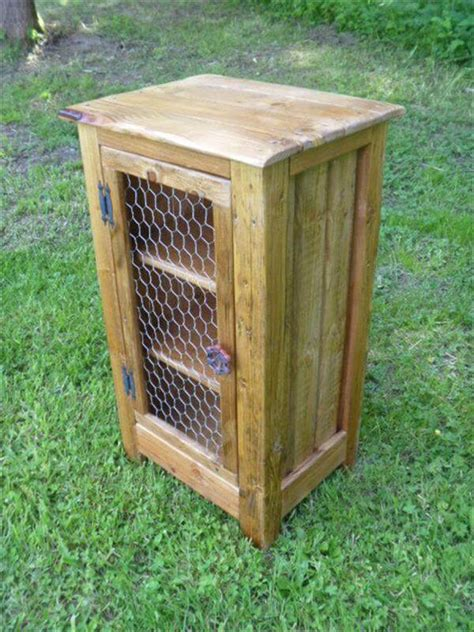 pallet outhouse cat litter cabinet diy pallet cabinet with chicken wire door pallet