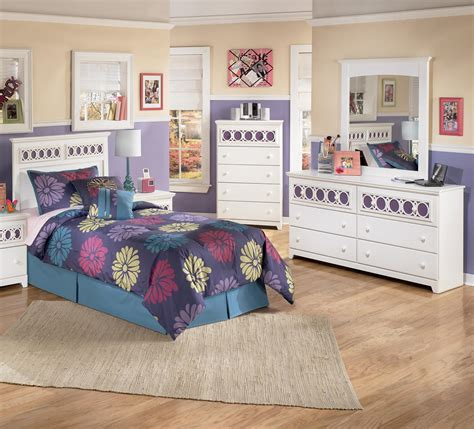 zayley bedroom set signature design by ashley zayley 3 piece twin bedroom