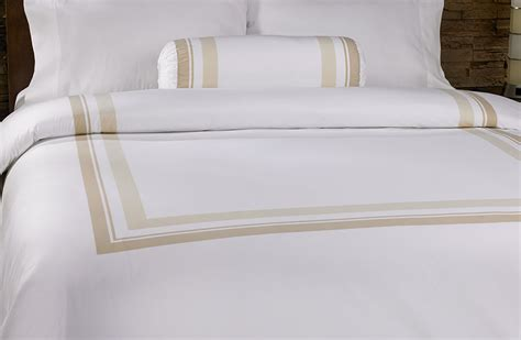 what type of comforter do hotels use image gallery luxury hotel bedding
