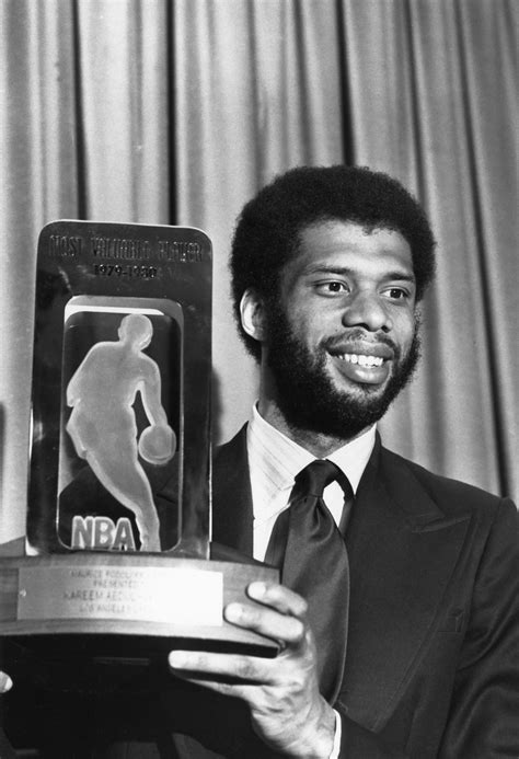 becoming kareem growing up on and the court books kareem abdul jabbar academy of achievement