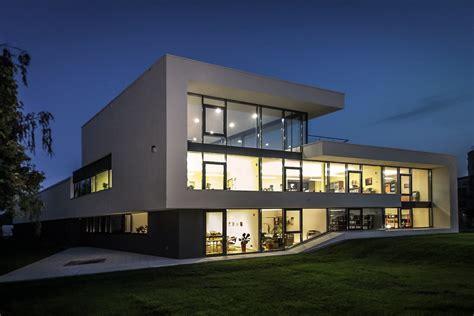 architekten leipzig architektenportal modernes b 252 rogeb 228 ude in leipzig