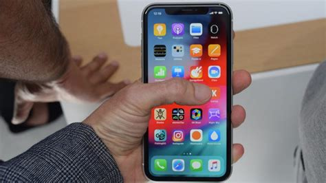 Iphone Keeps Dropping Wifi How To Fix An Apple Iphone Xr That Keeps Losing Wi Fi Signal Wi Fi Keeps Dropping Thecellguide