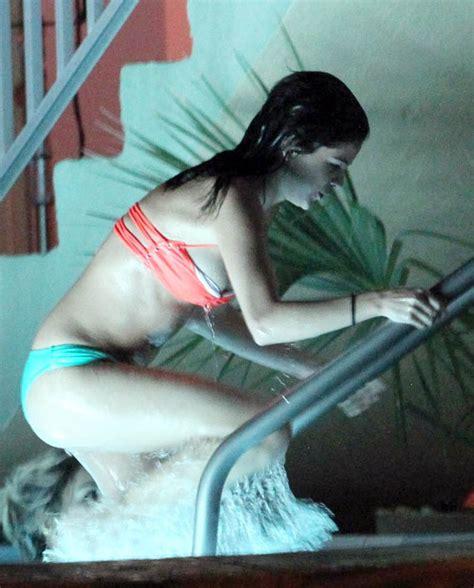 vanessa hudgens bathtub selena gomez vanessa hudgens in bikini for spring breakers