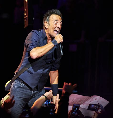 Springsteen Square Garden by Bruce Springsteen S Tour Showcases New Way Of Serving Fans