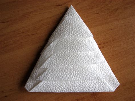 Folded Paper Napkins - how to make a tree by folding a napkin