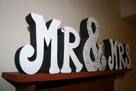 mr mrs wall sign above bed decor mr and mrs sign for over mr mrs decor 28 images mr mrs wall decor things i like