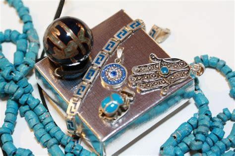 amuleti porta fortuna magia e amuleti portafortuna sfumature di magia