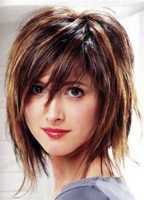 trendy hairstyles for women with long chins 30 short shaggy haircuts http www short haircut com 30