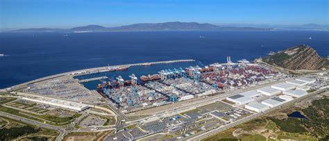 un porto marocco porto di tangeri in marocco cresce un gigante tra europa