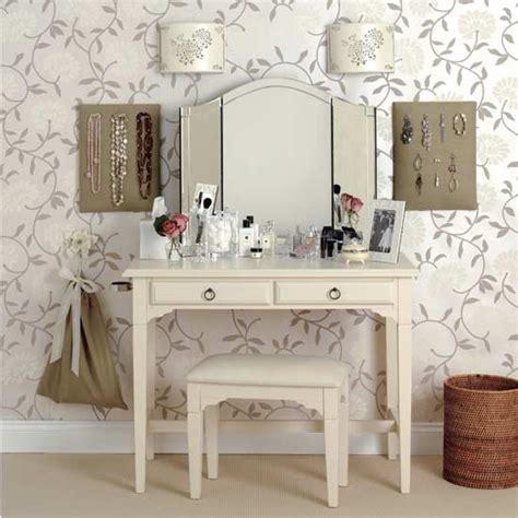 how to dress a table how to buy a dressing table