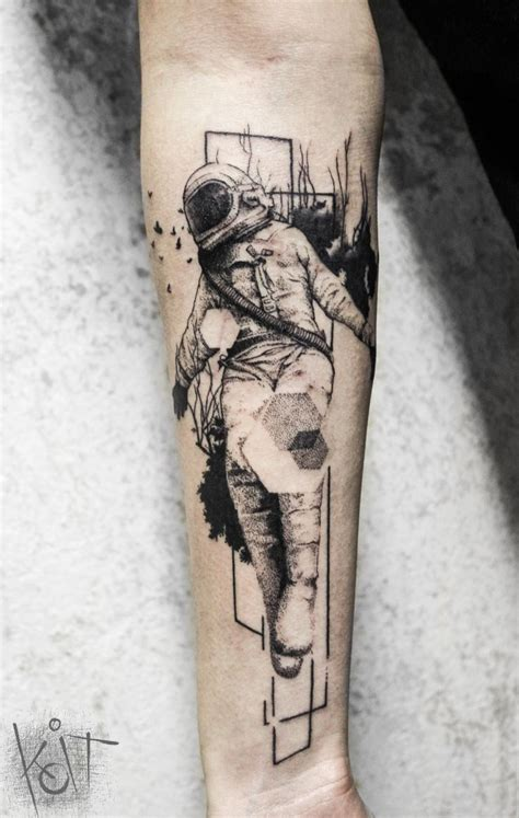 graphic design tattoos best 25 astronaut ideas on astronaut