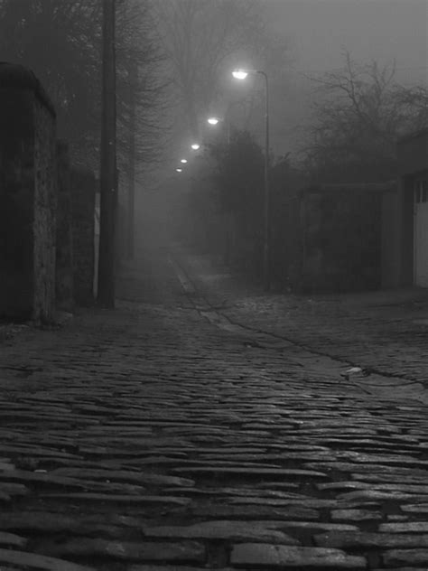 gloomy side street  photo  edinburgh scotland