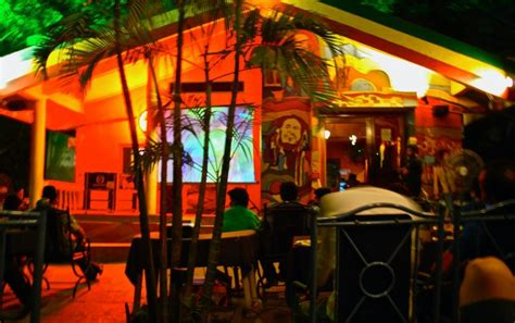 restaurants in boat club road pune pubs and restaurants in pune