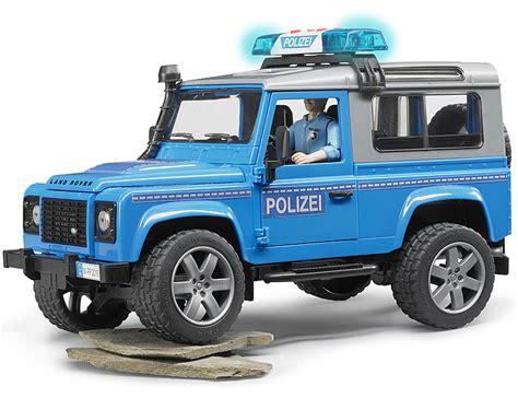 land rover bruder bruder land rover defender polizeifahrzeug bei bruder