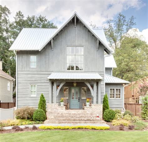 tiny farmhouse 39 cool small front porch design ideas digsdigs