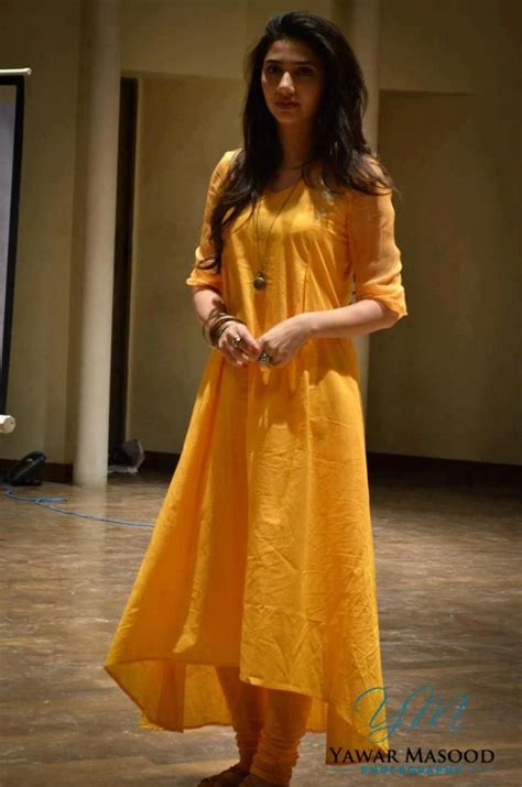 the 25 best long kurtis ideas on pinterest kurti long plain long kurta love the simple fabric and design