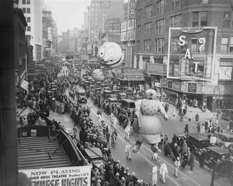 history of new year parade macy s thanksgiving day parade history business insider