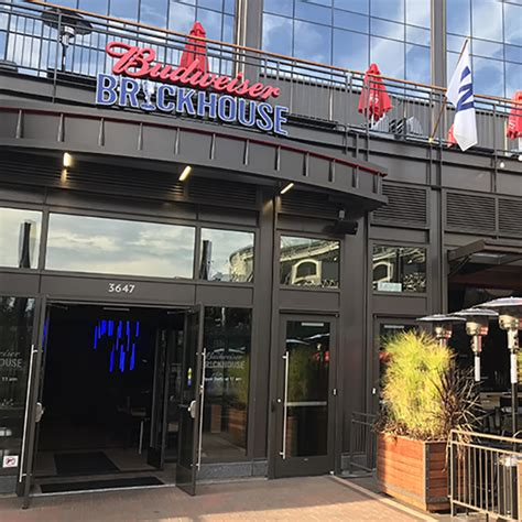 top wrigleyville bars wrigleyville bars guide to 48 spots around the ballpark
