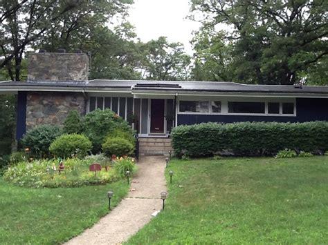 mid century modern house metropolis mid century modern homes with green yard 3284 latest decoration ideas