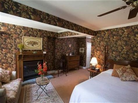 Saugatuck Bed And Breakfast With Pool by Book Maplewood Hotel Bed And Breakfast Saugatuck Mi