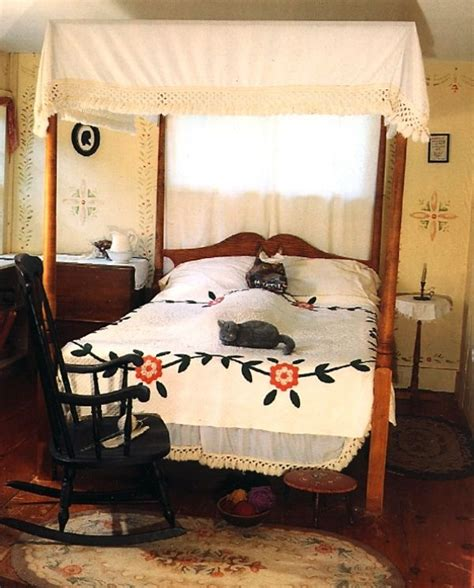 Bedroom Hooded 830 Best Images About Prim Colonial Bedrooms On