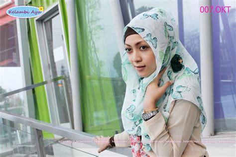 Jilbab Segi Empat Garis scarf butterfly jilbab cantik style kerudung modern baju muslim