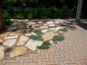 Quartzite Patio by Quartzite And Brick Patio With Creeping Thyme Design