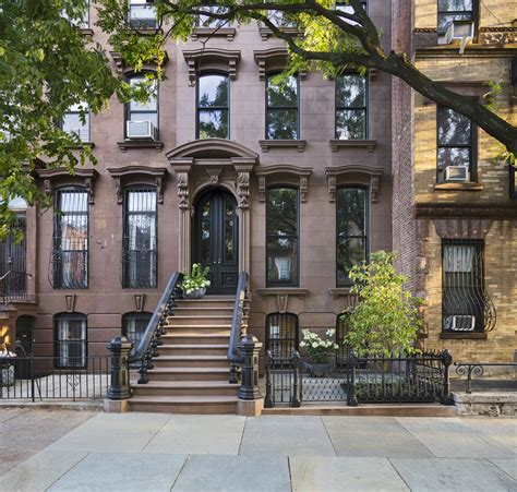 19th century brownstone house in new york