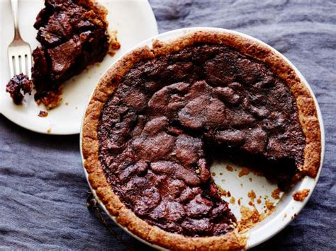 pioneer woman chocolate chip pecan pie