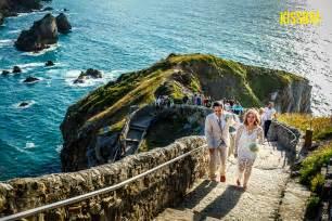 Wedding in Gaztelugatxe, Basque Country