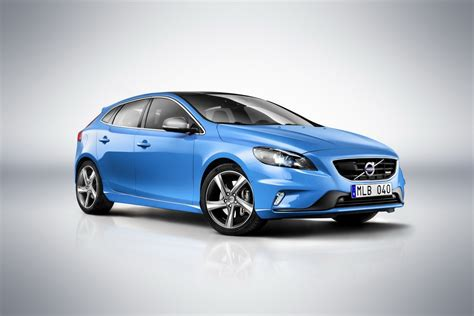 volvo uk volvo uk v40 r design and cross country models