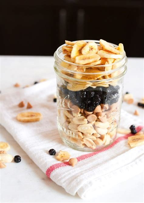Jelly Mix peanut butter and jelly trail mix