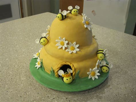 oh me oh my beehive cake