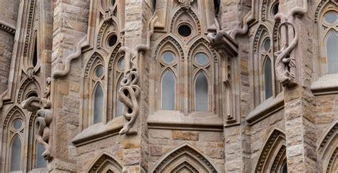 La Sagrada Familia   Swan Tower