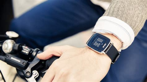 Smartwatch Asus Vivowatch asus vivowatch arriva in italia lo smartwatch per il