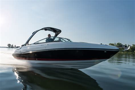 rinker boats apparel 29qx rinker boats runabouts express cruisers
