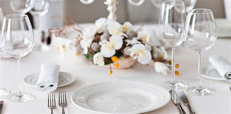 tavola natalizia elegante come apparecchiare una tavola elegante aldi