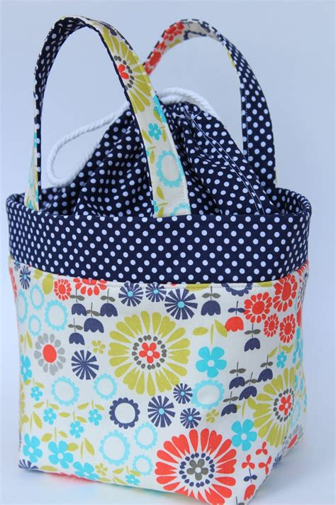 Longch Tote Flower 2120 waterproof insulated lunch tote navy polka dot and floral lunch tote dots and totes