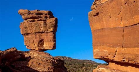Garden Of The Gods Vs Rocks The Balanced Rock The Garden Of The Gods Colorado
