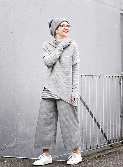 Ginar Cullote esra e tricot assymetric grey jumper zara grey grid culotte zara white sneakers grey