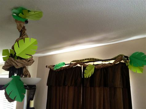 How To Make Jungle Vines Out Of Paper - from becca s home to yours with throwing a jungle