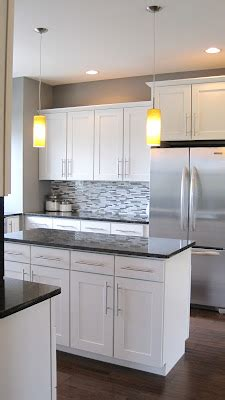 usually dont like white cabinets but i like the colors