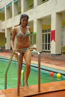 film actress: rithika expose navel cleavage and thighs in