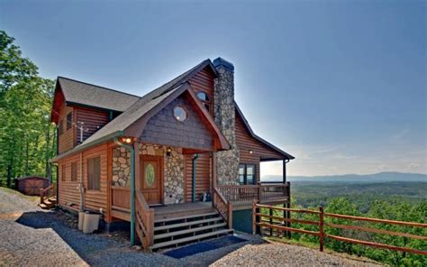 Cabin In Ga by 14 Mountain Cabins Tree Houses In You Won T Believe