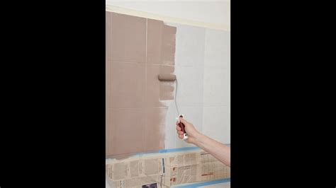 pitturare piastrelle rinnovare il bagno senza togliere le piastrelle