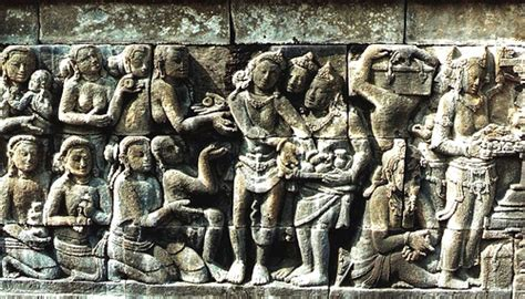 Arca Atau Liontin Ukir Budha seni ukir mengukir di nusantara energic